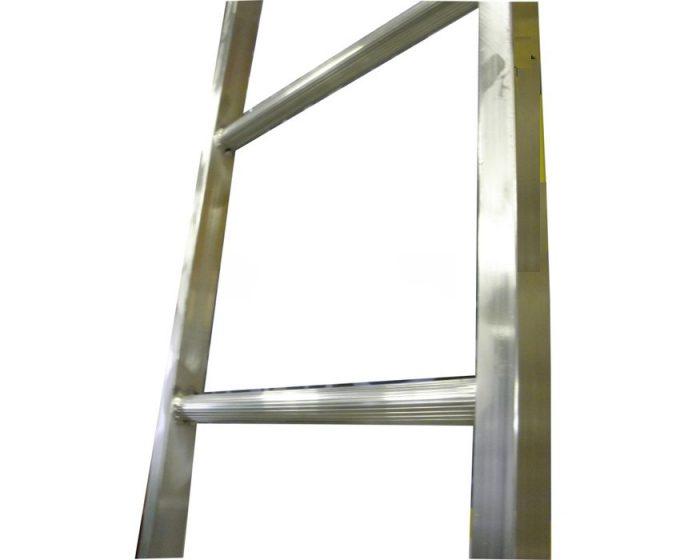 DIY žebříky: dřevěné nebo kovové výrobky