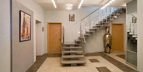 Belső lépcsőház egy magánházban