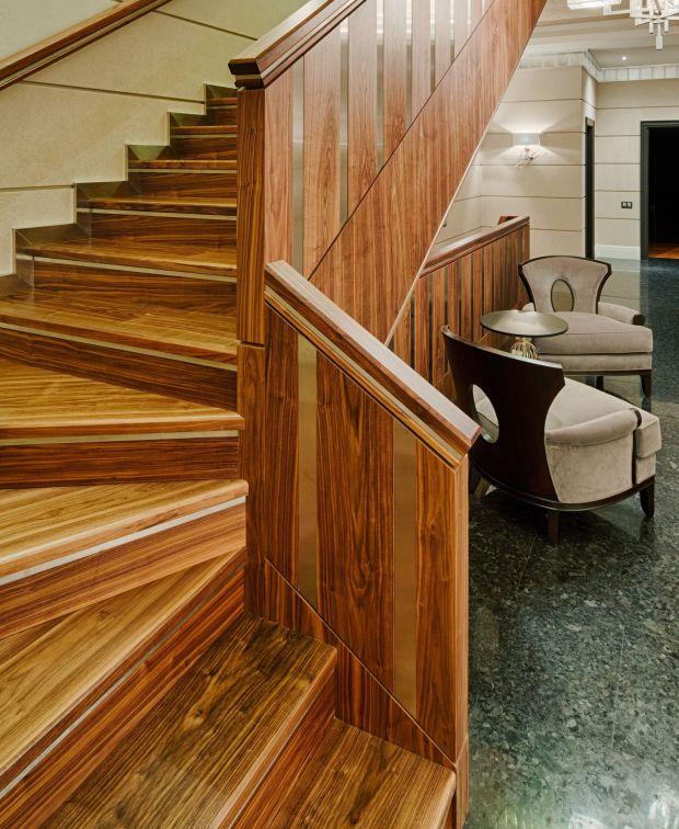 Lépcsőház a kosourán
