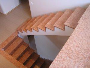A lépcsők maximális száma egy külső lépcső repülésénél