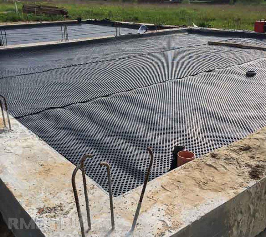 Padló vízszigetelése a földön