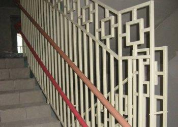 A kapaszkodó magassága a lépcsőn: normák és követelmények