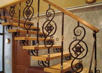 Fa lépcsők a lépcsőkhöz - típusok, telepítési módszerek