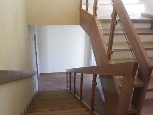 A tartóoszlop magassága a lépcsőkhöz