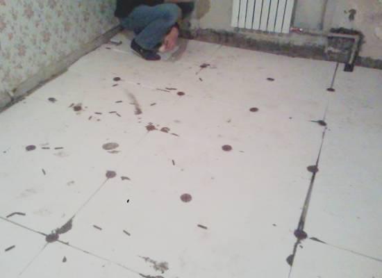 padlószigetelés hab műanyaggal az esztrich alatt
