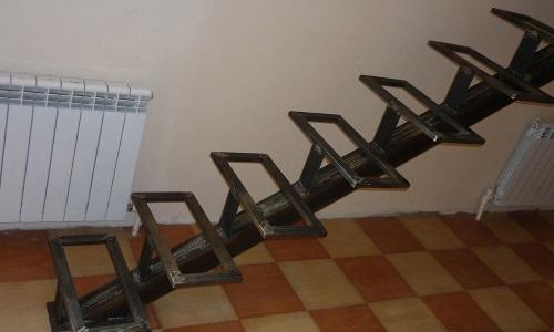 Lépcsők fém húrok sorozat