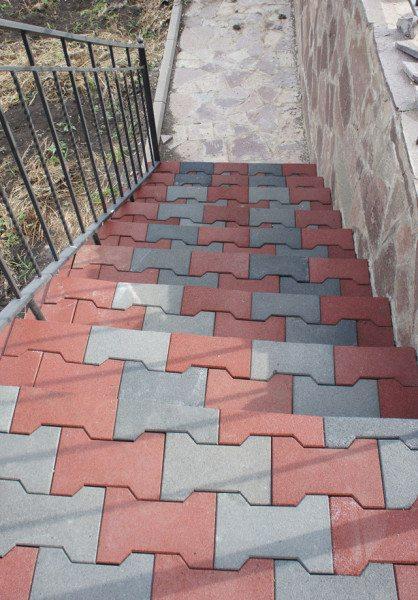 Vzhled kroků provedených pomocí tohoto materiálu