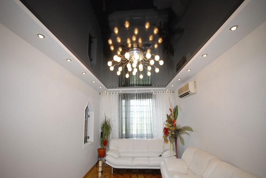 Глянцевой натяжной потолок- прекрасное дополнение любого интерьера