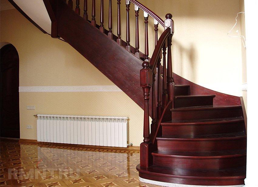 Лестница для загородного дома и межуровневой квартиры