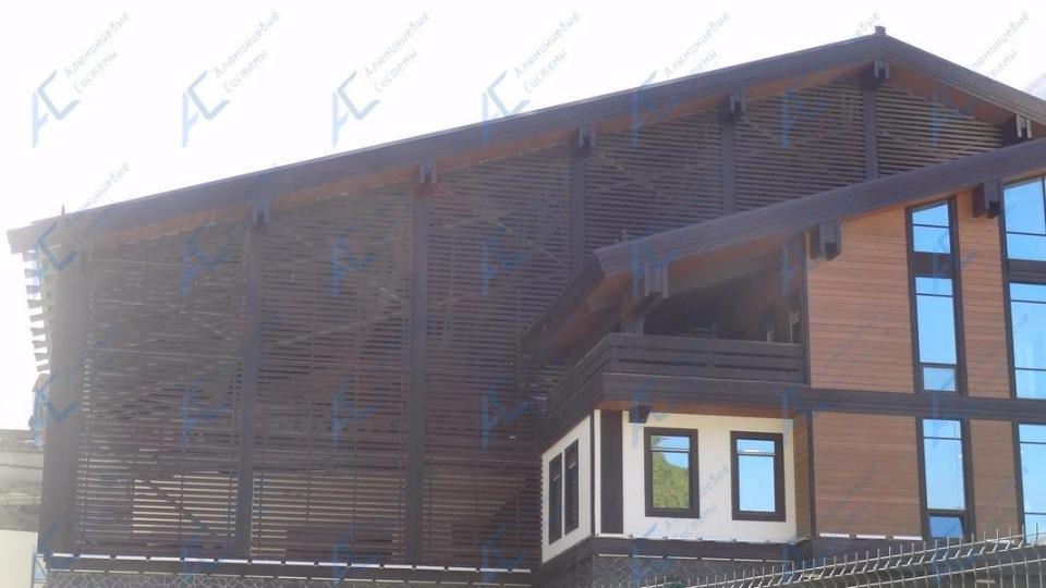 алюминиевые ламели в отделке фасада