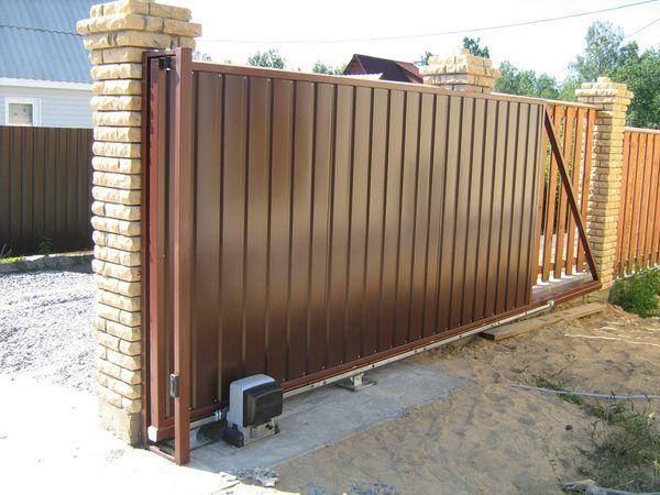 Что нужно знать при выборе откатных ворот?