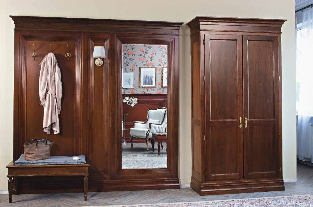 Правильный подход к выбору мебели для прихожей