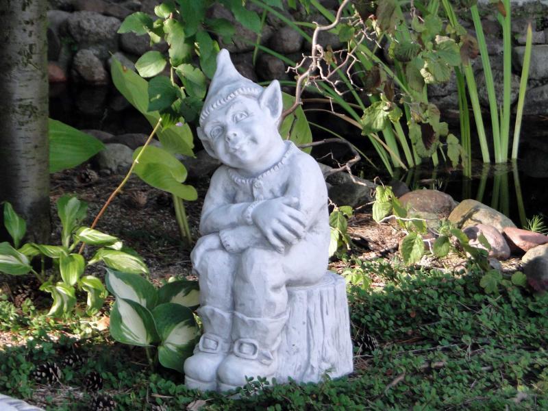 Что учитывать при использовании садовых скульптур из бетона