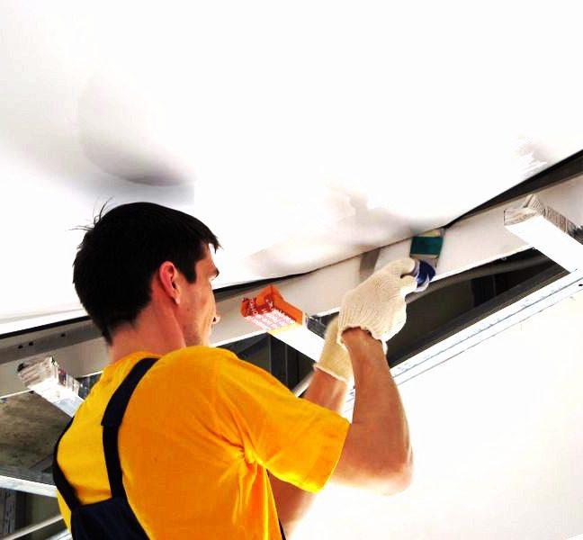 Что важно знать в процессе установки натяжных потолков